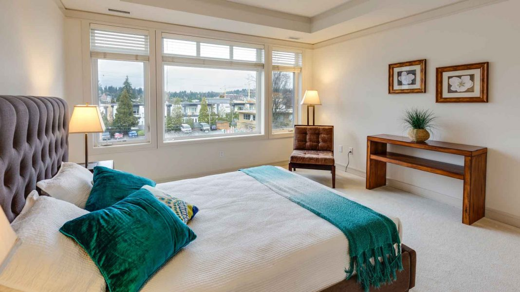 Some-Exclusive-Tips-to-Deal-with-Your-Master-Bedroom-on-expertview