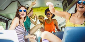 Party-Buses-in-Chicago-Why-Should-You-Rent-Them-on-expertview-online