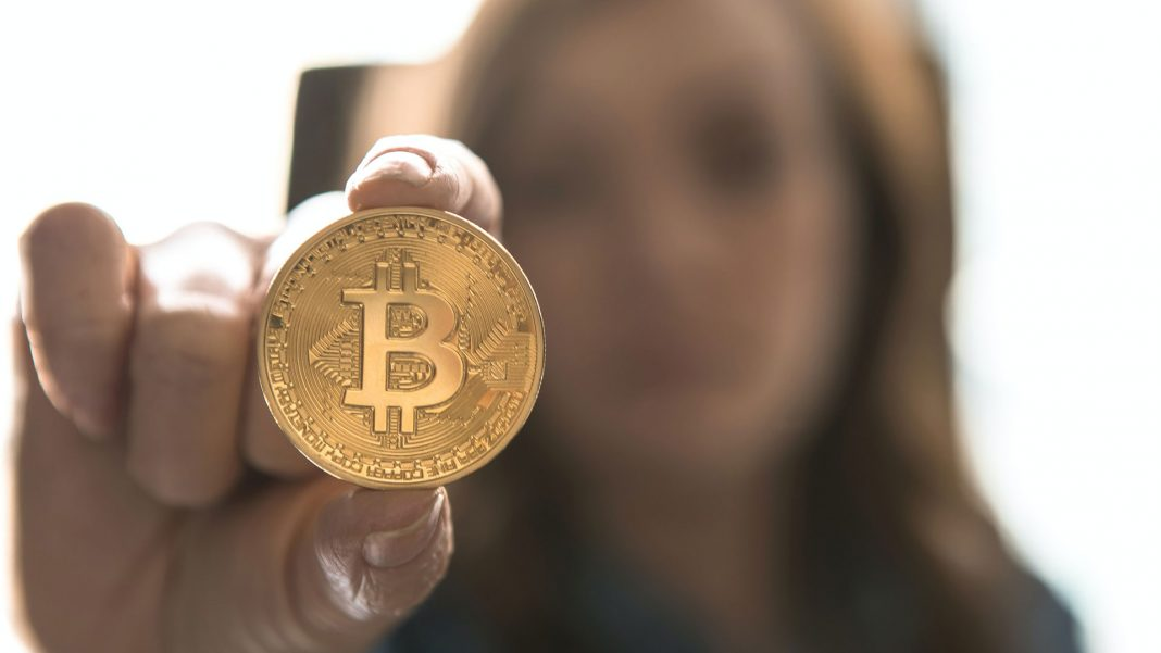 How-to-Use-Cryptocurrency-&-Bitcoin-Abroad-Easily-on-expertview-online