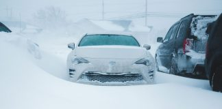 Stuff-You-May-Regret-Keeping-In-the-Car-This-Winter-on-expertview-online